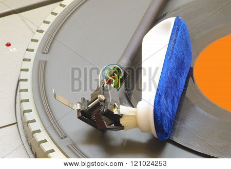 cleaning cartridge stylus turntable with brush