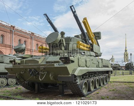 2S6-self-propelled Anti-aircraft Weapon With Eight 9M311 Missiles Antiaircraft Gun-missile Complex 2