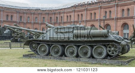 Self-propelled Artillery Su-100