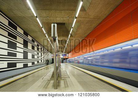 Oberwiesenfeld subway station