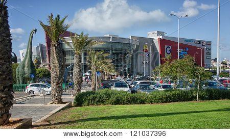 G Cinema City 26 Movie Theaters Building Facade