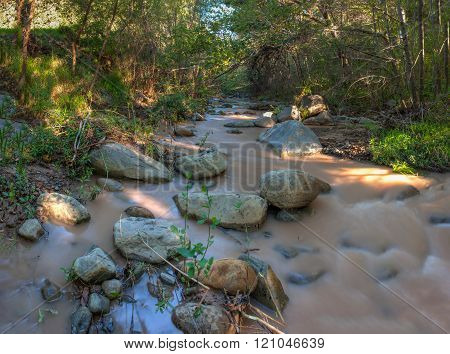 Flowing water through the rocks