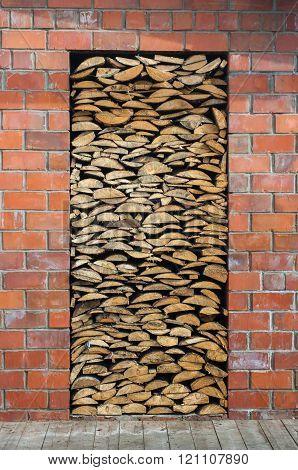 Wood in the door aperture