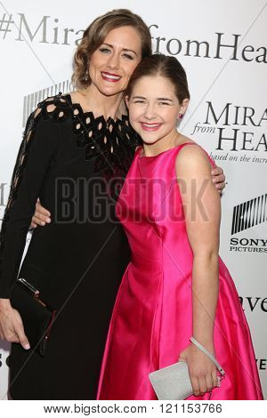LOS ANGELES - MAR 9:  Christy Beam, Anabel Beam at the Miracles From Heaven Premiere at the ArcLight Hollywood Theaters on March 9, 2016 in Los Angeles, CA