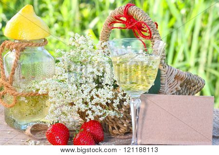 Elderflower drink and strawberries
