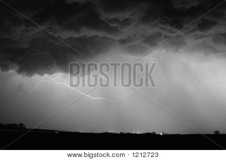 Lightning1Bw