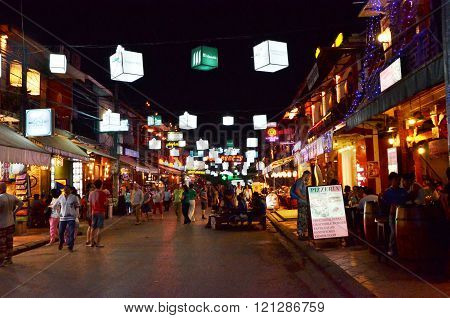 Siem Reap, Cambodia - December 2, 2015: Unidentified Tourists Shopping At Pub Street In Siem Reap