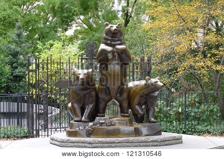 New York - October 24: Group of Bears in Central Park on October 24, 2015 in New York City