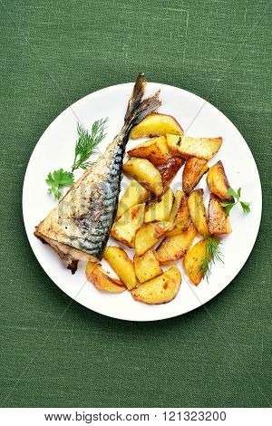 Baked Potato Wedges And Mackerel Fish