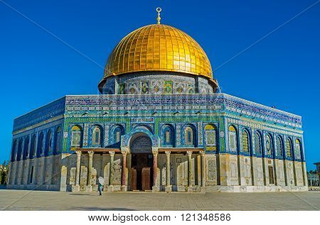 The Dome of the Rock (Qubbet el-Sakhra) is one of the greatest of Islamic monuments it was built by Abd el-Malik Jerusalem Israel.