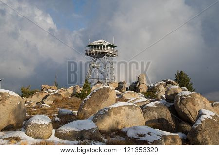 Mt Tom Lookout with Snow