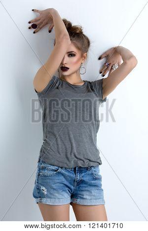 Beutiful fashion model