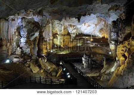 Paradise Cave, Quang Binh, Vietnam Travel, Heritage