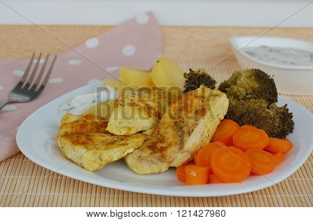 Chicken With Carrot, Brocoli And Potatoes