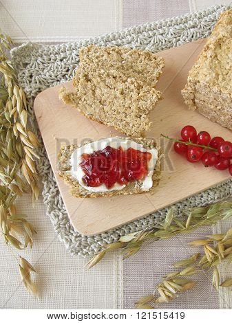 Oat bread with redcurrant jam