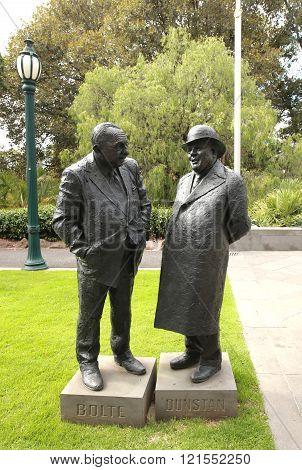 Victoria s premiers Dunstan and Bolte bronze statues
