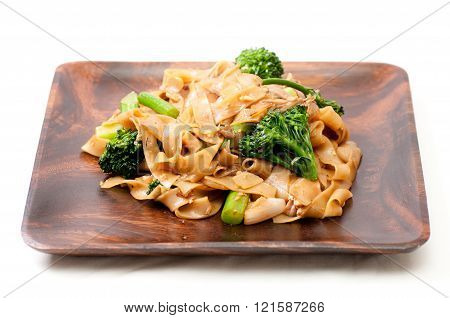 decadent thai chicken stir fry pad see ew style