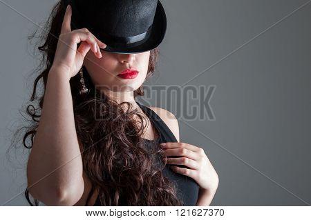 Cabaret hat