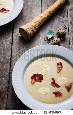 Cream soup with horseradish