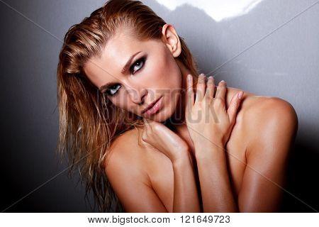 Nude Vogue
