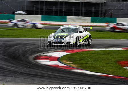 braking at turn 4