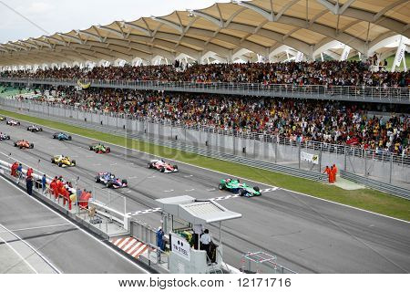 Sepang, MALAYSIA - 23 November: Teams lined up on the starting grid at the start of the World A1 GP championship races. 23 November 2008 in Sepang International Circuit Malaysia.