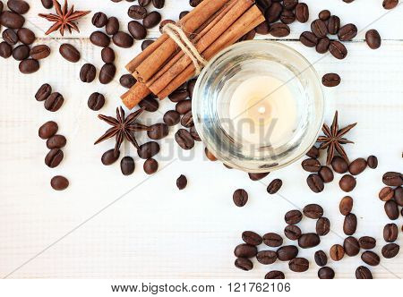 Candle with coffee and cinnamon scent