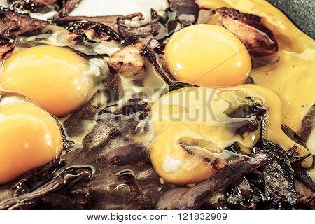 red onion chicken yellow scrambled eggs fresh four eggs