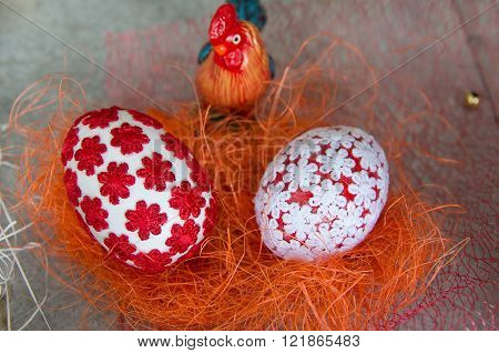 Decorated with textiles Easter eggs.