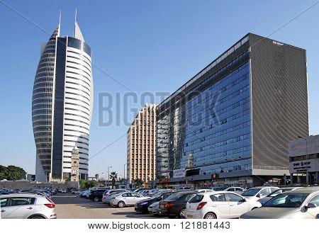 HAIFA ISRAEL - FEBRUAR 29 2016: Municipality in Sail Skyscraper in downtown Haifa