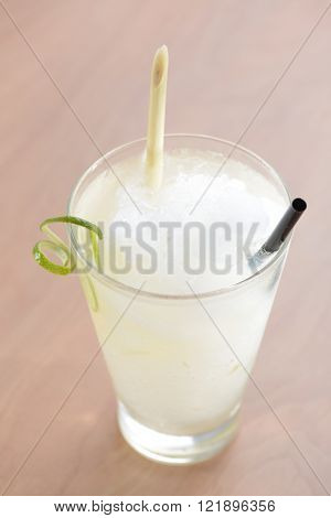 crush ice Lemon grass drink with lime