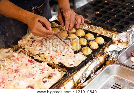 Cooking of tako yaki