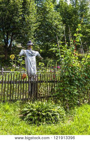 scarecrow, Kaszubski ethnographic park in Wdzydzki Park Krajobrazowy, Pomerania, Poland