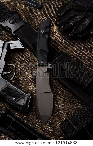 Knife and military set