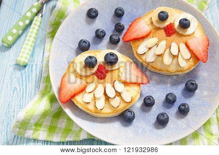 Owl pancakes for kids breakfast