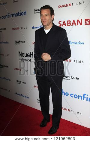 LOS ANGELES - MAR 15: Clive Owen at the premiere of Saban Films' 'The Confirmation' at NeueHaus on March 15, 2016 in Los Angeles, California