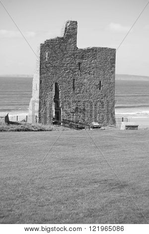 ballybunion castle ruins on the wild atlantic way in county kerry ireland as seen from the land