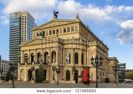 The original opera house in Frankfurt is now the Alte Oper (Old Opera) a concert hall and former opera house in Frankfurt am Main Germany.