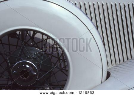 1933 Auburn-- Spare Wheel & Fins