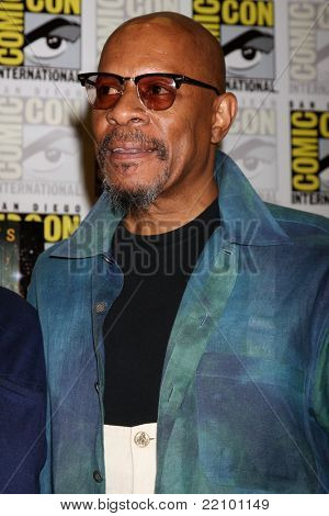 SAN DIEGO - JUL 22:  Avery Brooks at the 2011 Comic-Con Convention - Day 2 at San Diego Convention Center on July 22, 2010 in San DIego, CA
