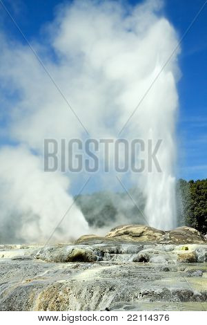 The World Famous Pohutu Geyser.
