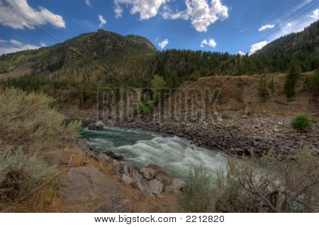 Mountain River. Hdr