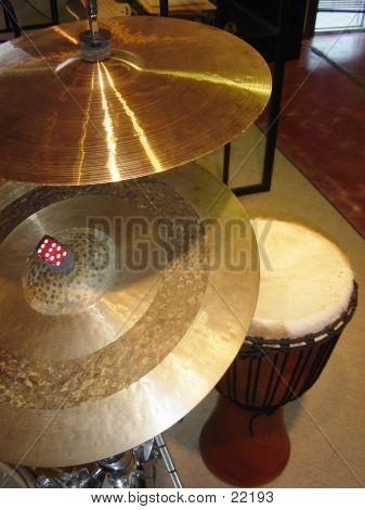 Cymbals N Drum