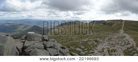 panorama from the top of lochnagar