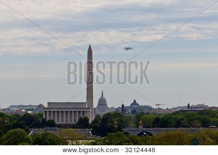 Space Shuttle Discovery Flyover Over The Washington, D.c. Area - Lincoln, Capitol And Washington Mon