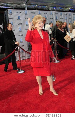 LOS ANGELES - APR 12:  Debbie Reynolds arrives at the TCM 40th Anniv of