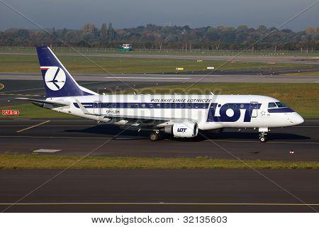 Lot Polish Airlines Embraer 170