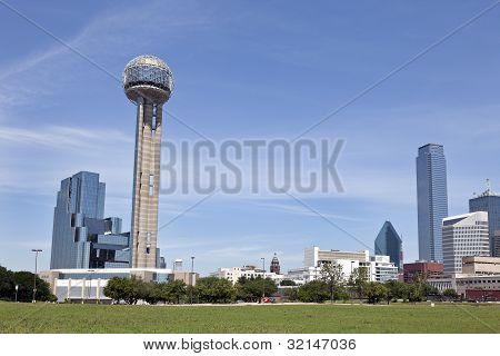 Reunion Tower and Downtown Dallas, TX