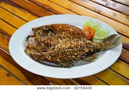 Fried red snapper
