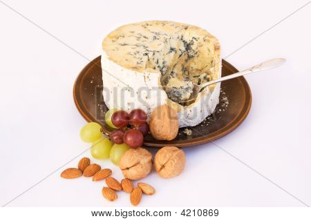 Stilton Cheese With Grapes & Walnuts
